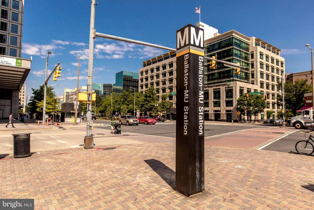 CONDO IS 2 BLOCKS TO THE BALLSTON METRO! - 1001 VERMONT ST N #710, ARLINGTON
