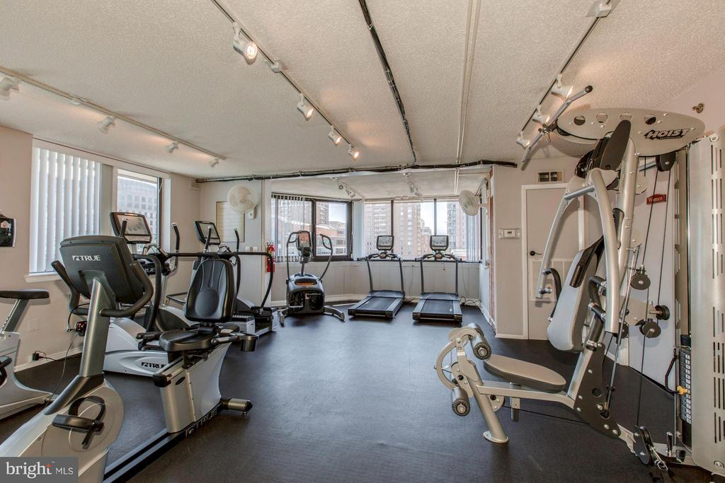 FITNESS CENTER with CARDIO and WEIGHTS! - 1001 VERMONT ST N #710, ARLINGTON