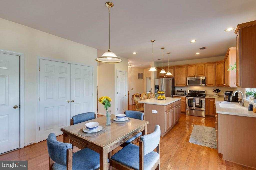 OPEN KITCHEN W/ ISLAND & TABLE SPACE - 2630 INWOOD DR, ADAMSTOWN