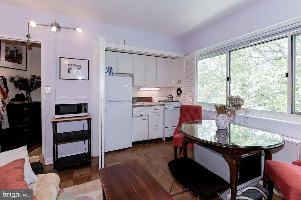 Dining Area/Kitchen - 5315 CONNECTICUT AVE NW #410, WASHINGTON