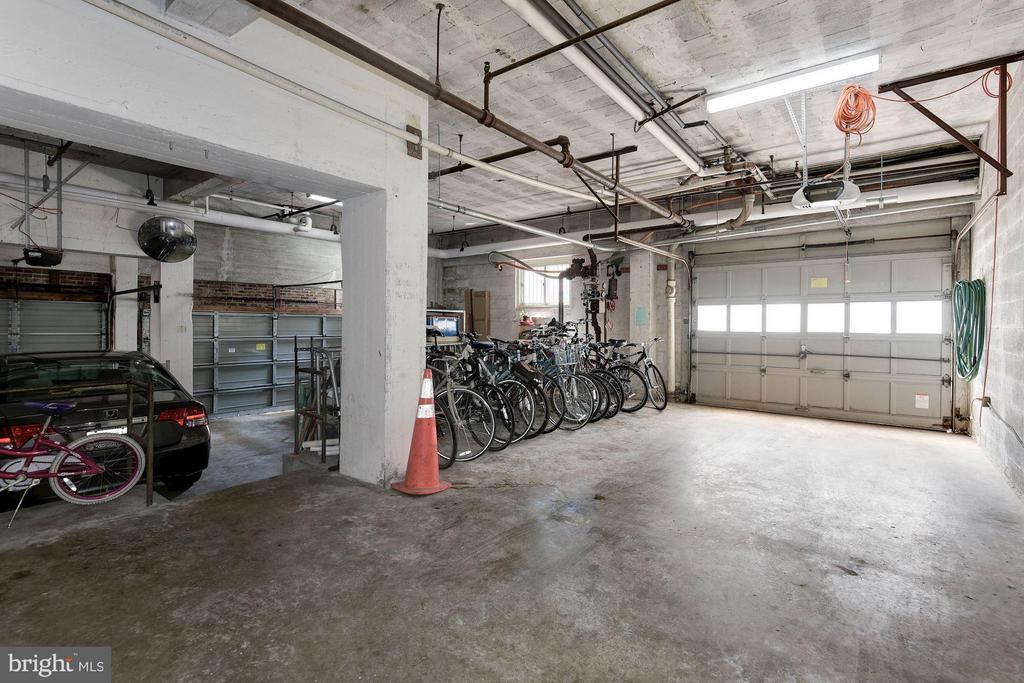 Garage - 5315 CONNECTICUT AVE NW #410, WASHINGTON