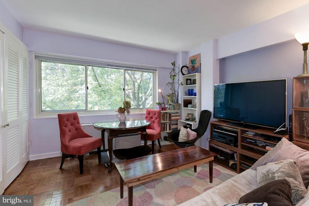 Living/Dining Area - 5315 CONNECTICUT AVE NW #410, WASHINGTON