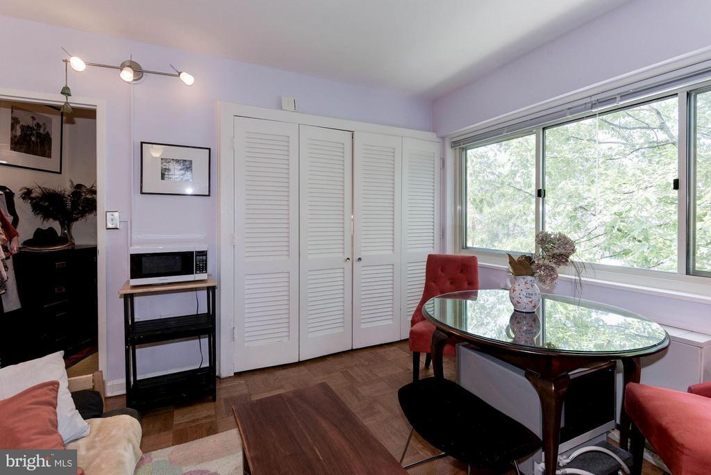 Dining Area - 5315 CONNECTICUT AVE NW #410, WASHINGTON
