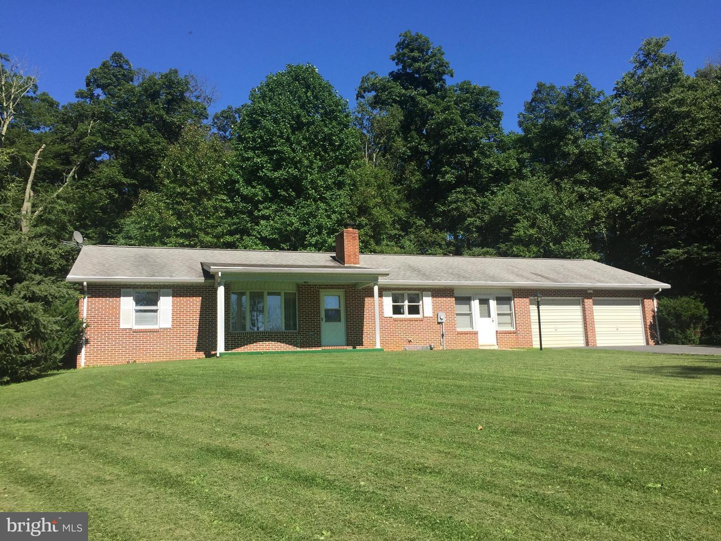 Single Family for Sale at 13111 Mount Zion Rd Sabillasville, Maryland 21780 United States