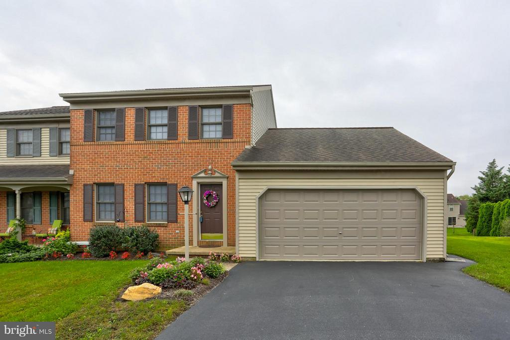 11  DUFFIELD DRIVE, Manheim Township in LANCASTER County, PA 17543 Home for Sale