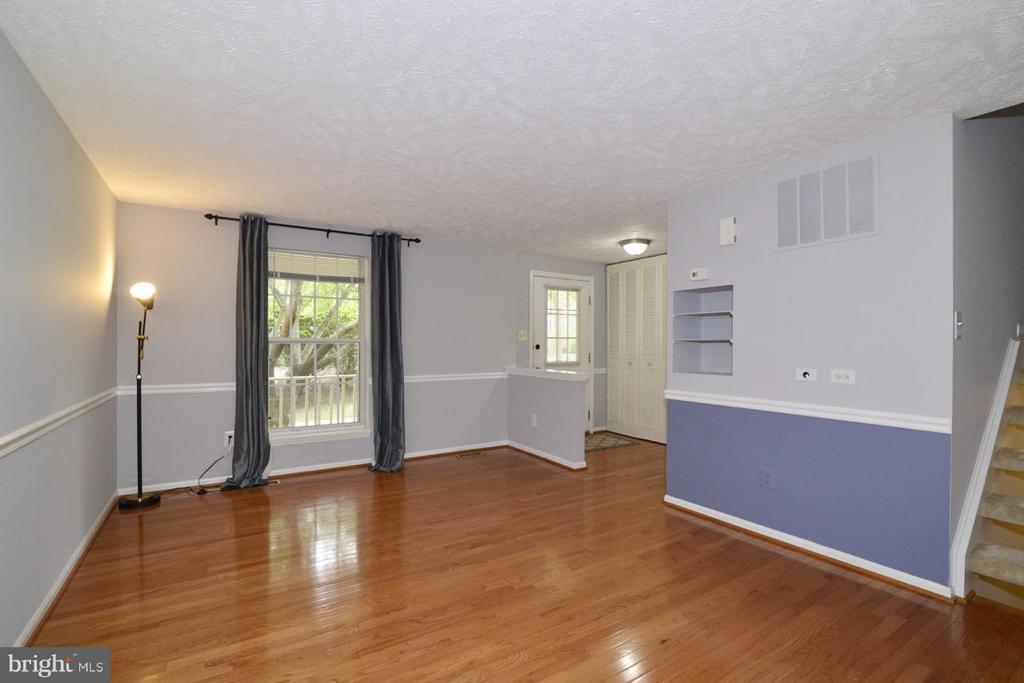 Living Room - 1478 AUTUMN RIDGE CIR, RESTON