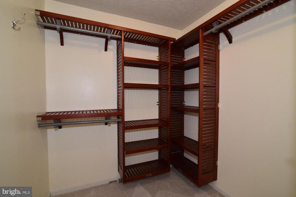 Walk in Closet in Master - 1478 AUTUMN RIDGE CIR, RESTON