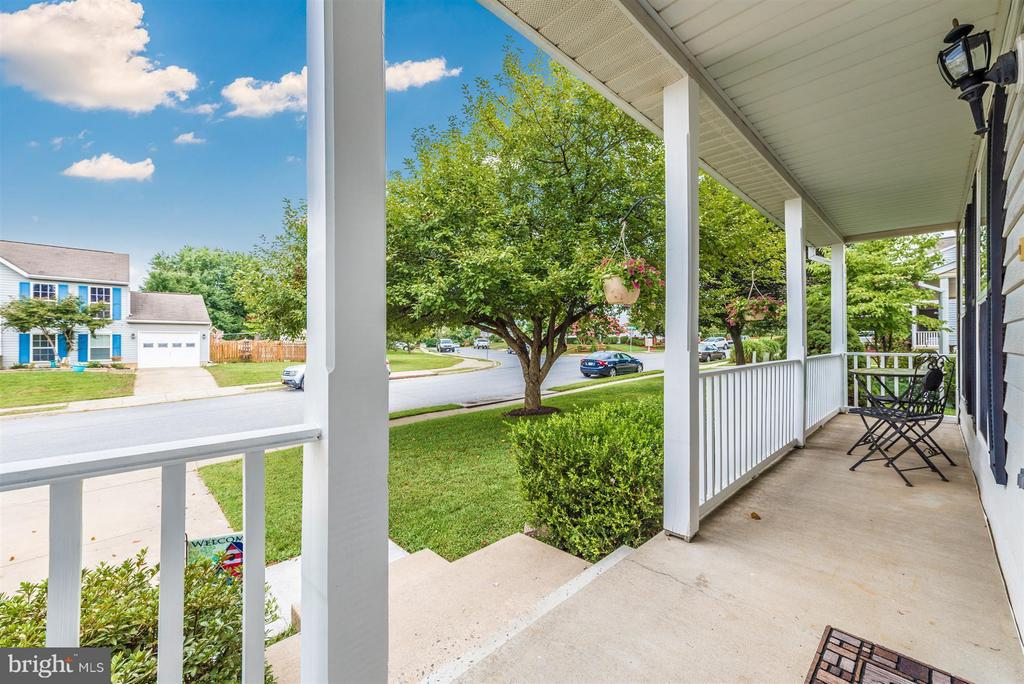 Delightful front porch - 11150 WORCHESTER DR, NEW MARKET