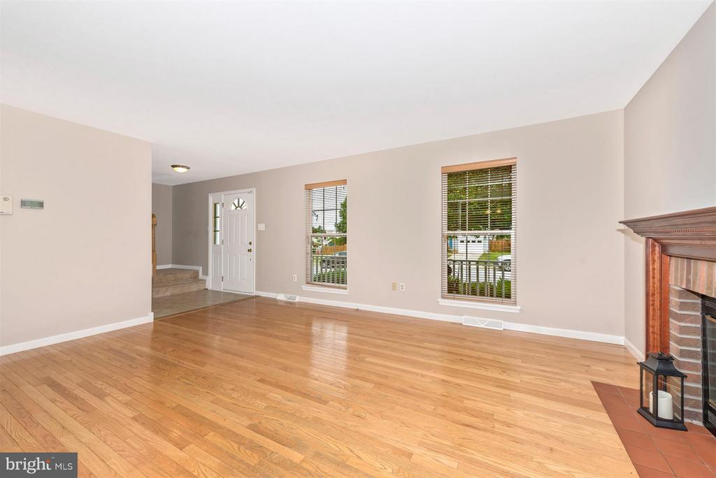Family Room - 11150 WORCHESTER DR, NEW MARKET