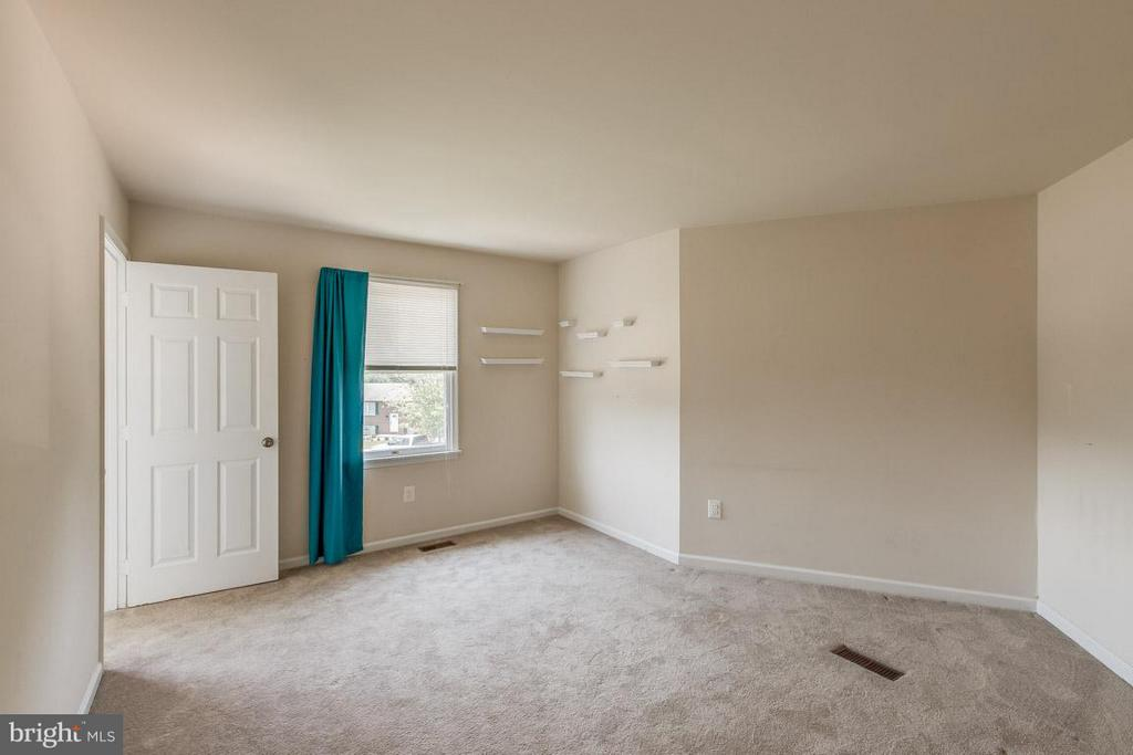Bedroom - 1305 CONESTOGA CT, MOUNT AIRY
