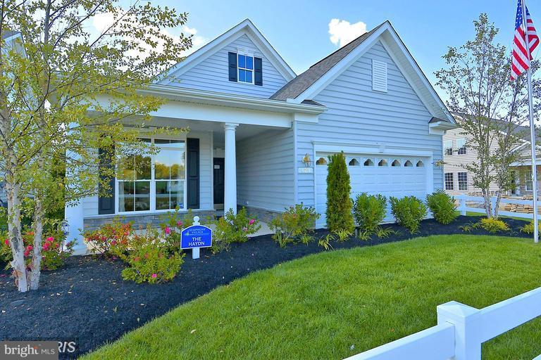 SINGLE LEVEL OPEN CONCEPT LIVING SPACE - 17345 OLD FREDERICK RD, MOUNT AIRY