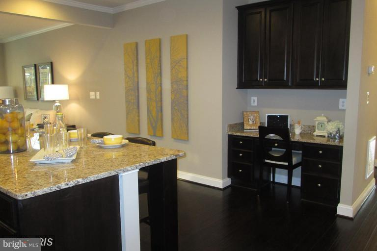 DESIGNED WITH TECHNOLOGY IN MIND - 17345 OLD FREDERICK RD, MOUNT AIRY
