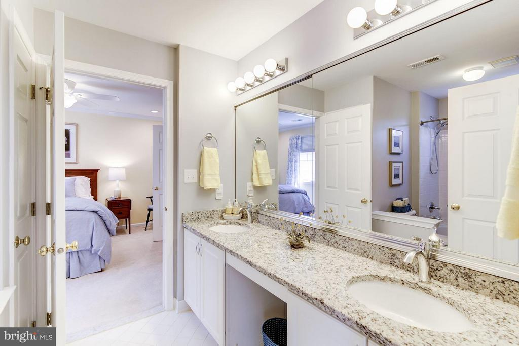 Jack n Jill Baths shares with Bed 2&3 - 1320 ALDBURY WAY, RESTON
