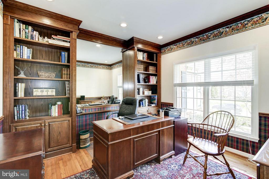 Library with Built-In Bookshelves - 1320 ALDBURY WAY, RESTON
