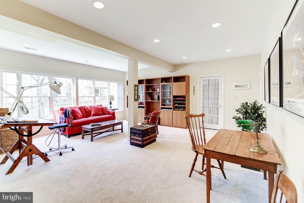 Lower Level Recreation Room - 1320 ALDBURY WAY, RESTON