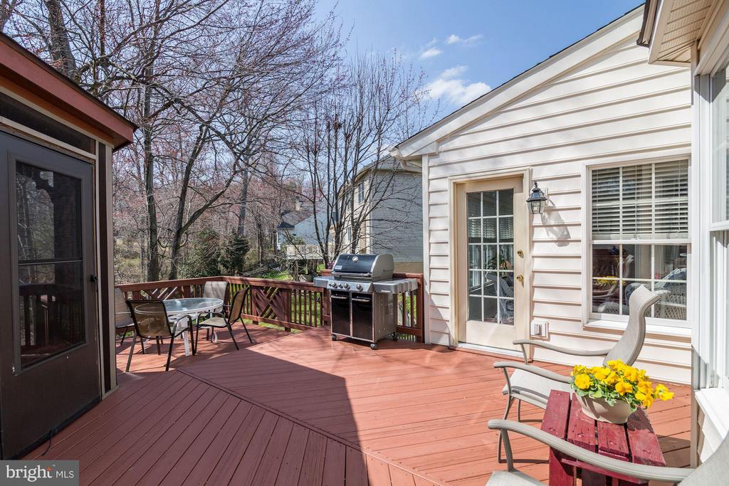 Large Deck off Sunroom - 1320 ALDBURY WAY, RESTON