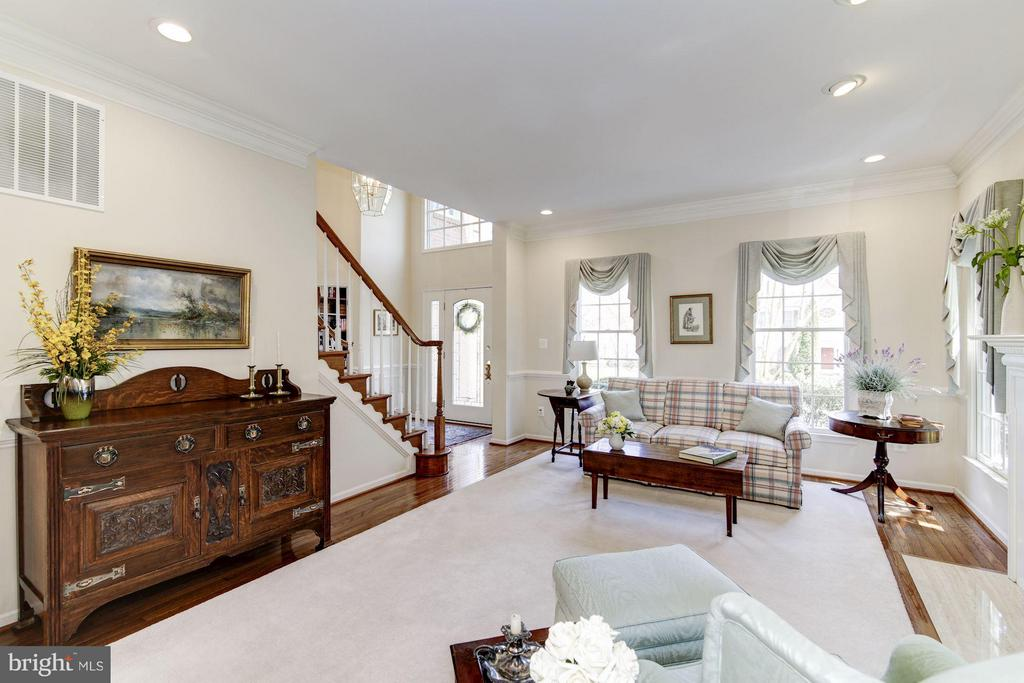 Living Room - 1320 ALDBURY WAY, RESTON