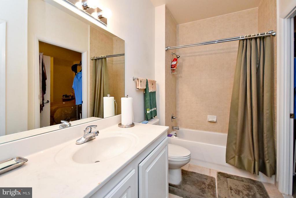 Bath - 350 G ST SW #N104, WASHINGTON