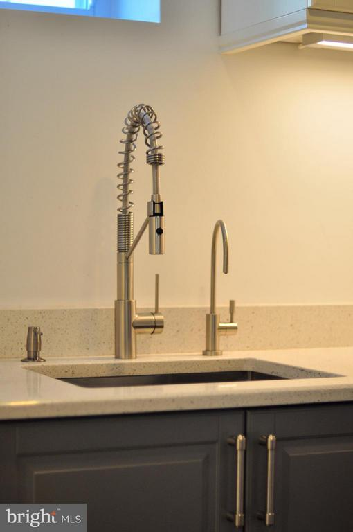 New laundry sink with high end water filtration. - 50 FENWICK ST N, ARLINGTON