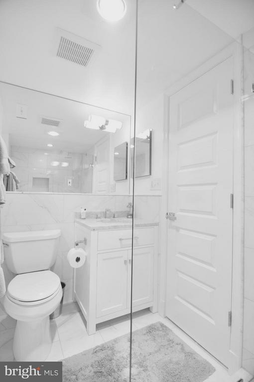 Brand new full basement bath. - 50 FENWICK ST N, ARLINGTON
