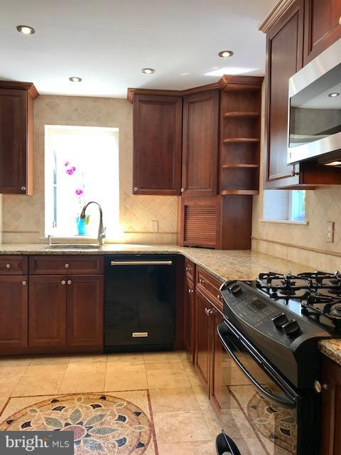 Kitchen - 50 FENWICK ST N, ARLINGTON