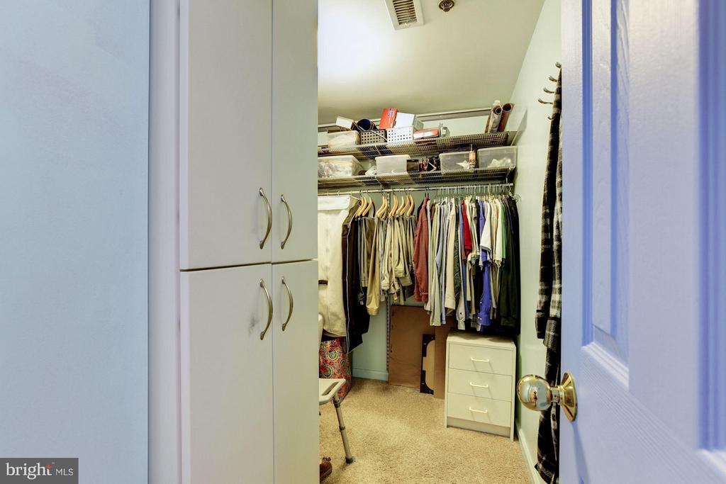 MBR WALK-IN CLOSET - 5610 WISCONSIN AVE #406, CHEVY CHASE