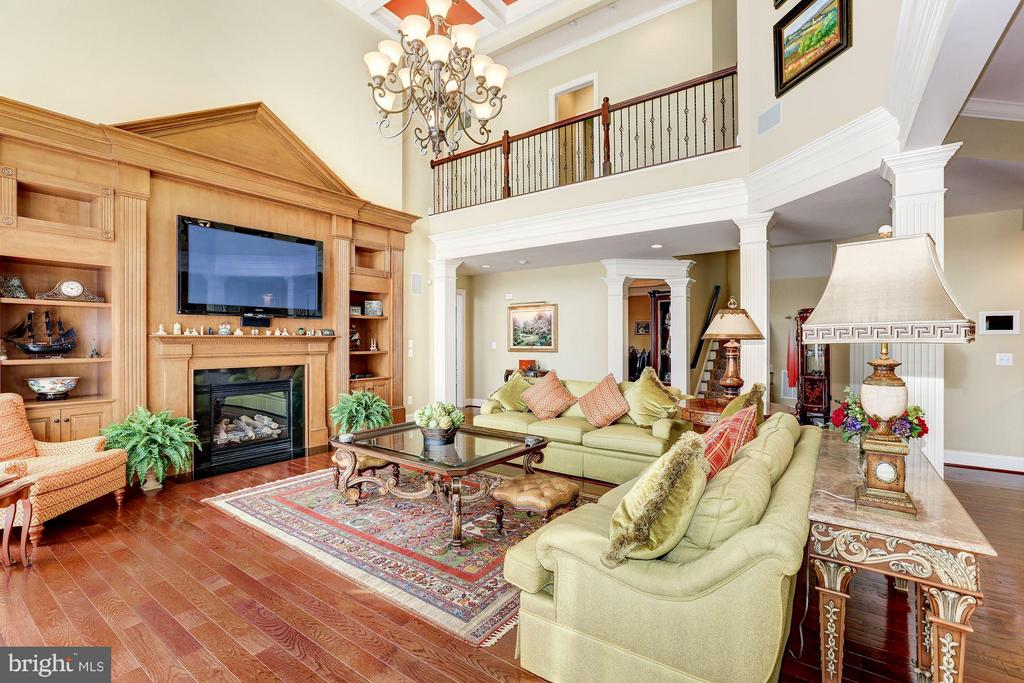 2-story great room - 1635 ADMIRALS HILL CT, VIENNA