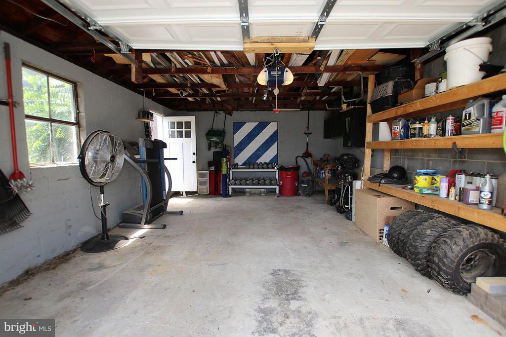 1 car garage with storage - 6 D ST, BRUNSWICK