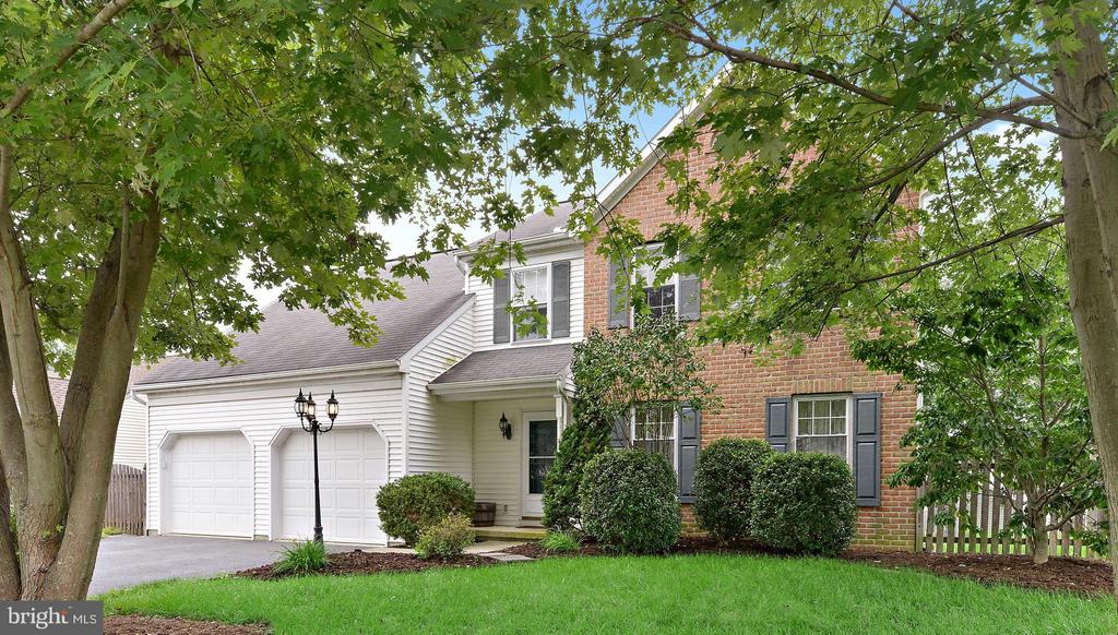 33  DUFFIELD DRIVE, Manheim Township in LANCASTER County, PA 17543 Home for Sale