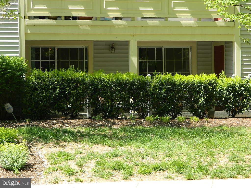 Exterior (Front) - 2220 SPRINGWOOD DR #109B, RESTON