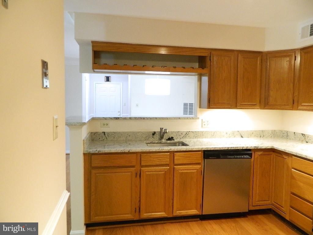 Kitchen - Other view - 2220 SPRINGWOOD DR #109B, RESTON