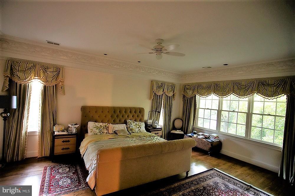 Bedroom (Master) - 4802 FOXHALL CRES NW, WASHINGTON