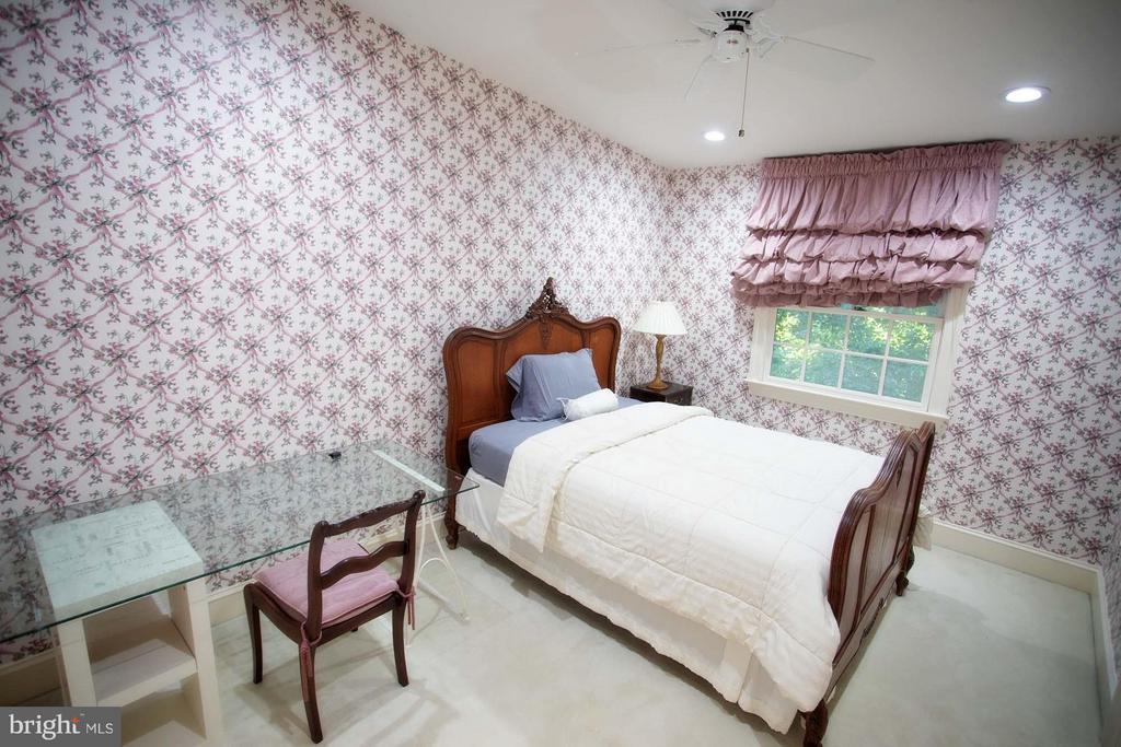 Bedroom - 4802 FOXHALL CRES NW, WASHINGTON