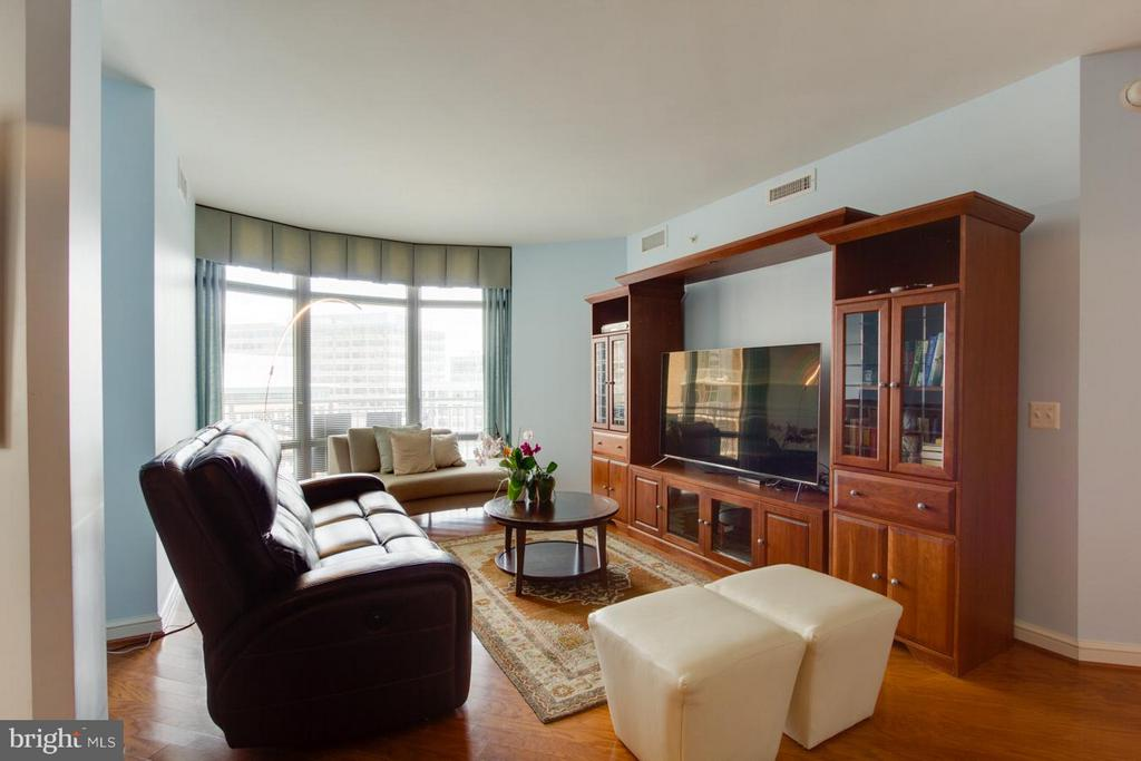 Living Room - 11990 MARKET ST #1411, RESTON