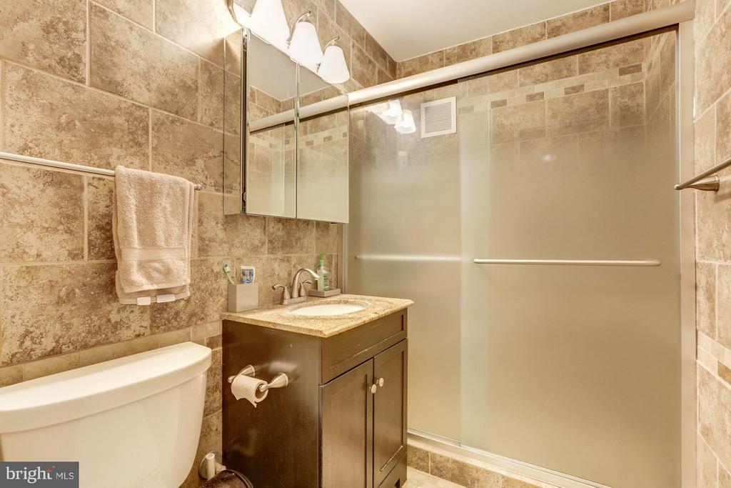 Bath - 3701 CONNECTICUT AVE NW #428, WASHINGTON