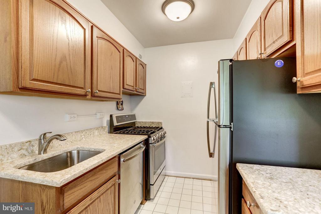Kitchen - 3701 CONNECTICUT AVE NW #428, WASHINGTON
