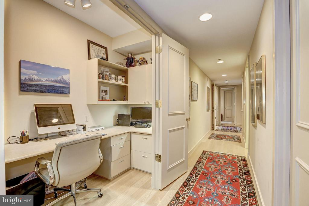 Office with double door entry - 5610 WISCONSIN AVE #1606, CHEVY CHASE
