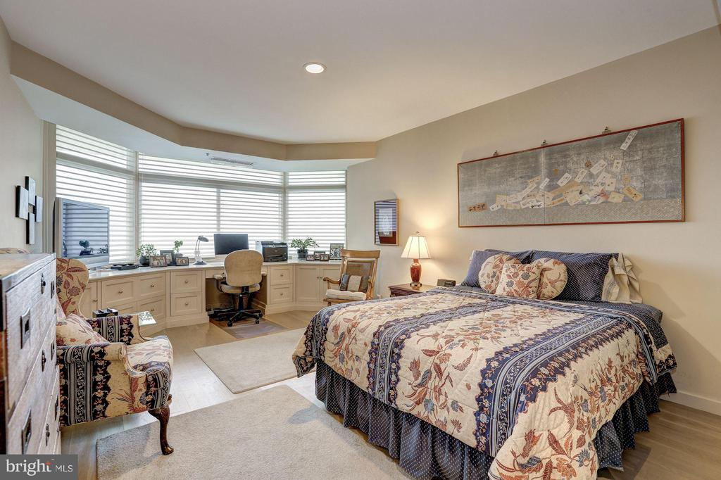 Bedroom w/ wall of windows - 5610 WISCONSIN AVE #1606, CHEVY CHASE