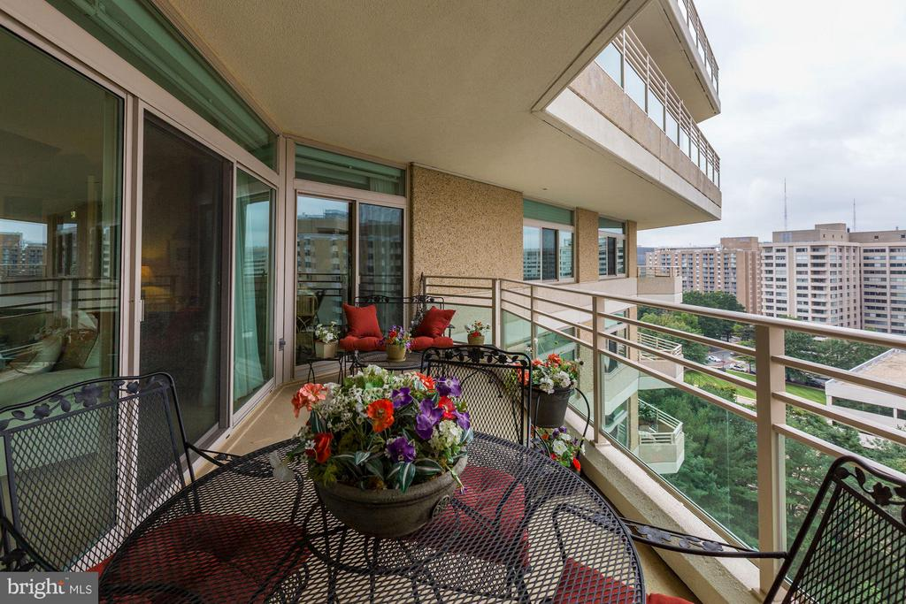 Balcony w/ access from living, dining and library - 5610 WISCONSIN AVE #1606, CHEVY CHASE