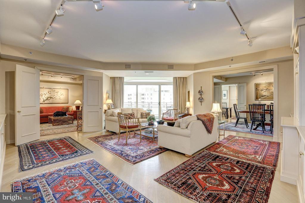 Living Room with views of dining room and den - 5610 WISCONSIN AVE #1606, CHEVY CHASE