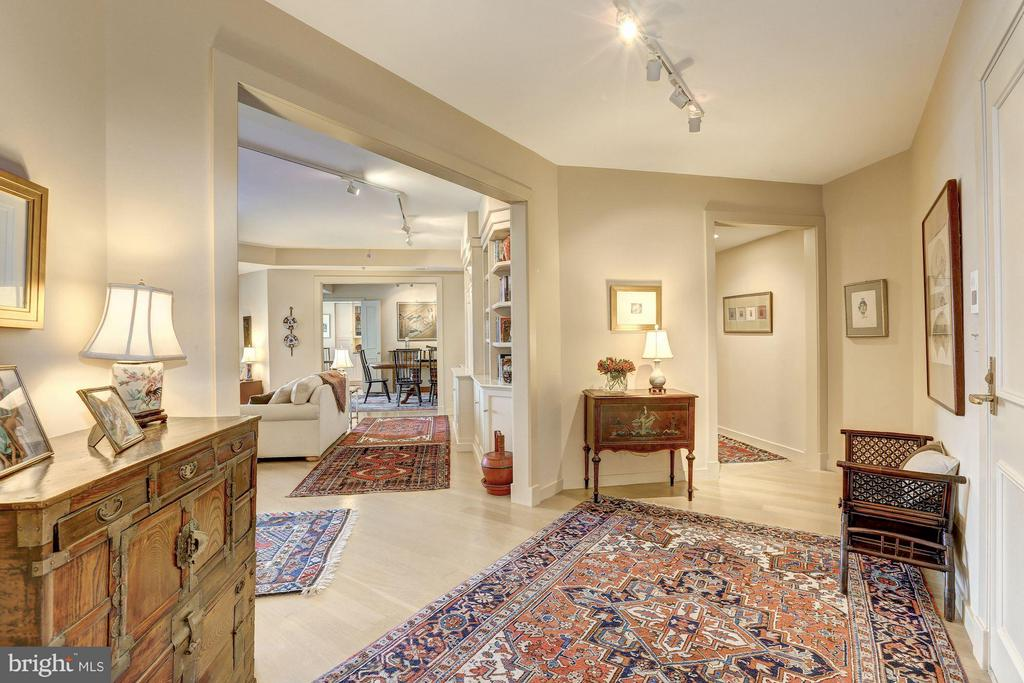 Foyer with powder room and coat closet - 5610 WISCONSIN AVE #1606, CHEVY CHASE
