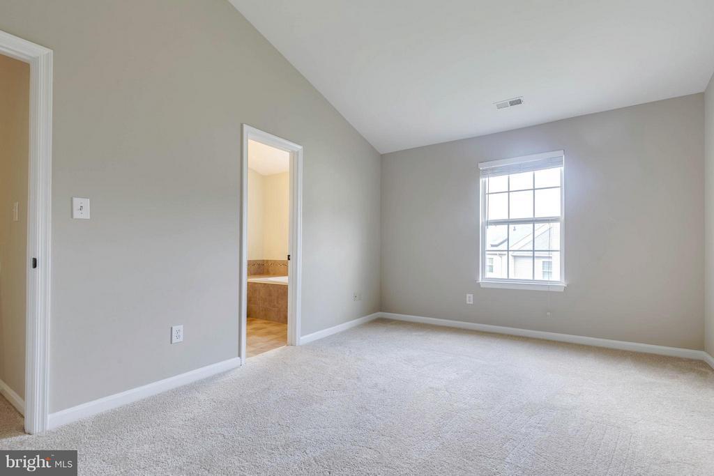 Bedroom (Master) - 502 STAFFORD GLEN CT, STAFFORD