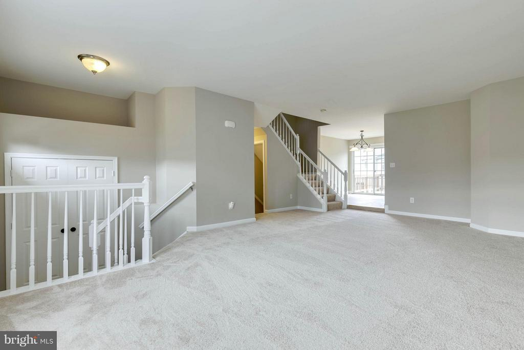 Living Room - 502 STAFFORD GLEN CT, STAFFORD