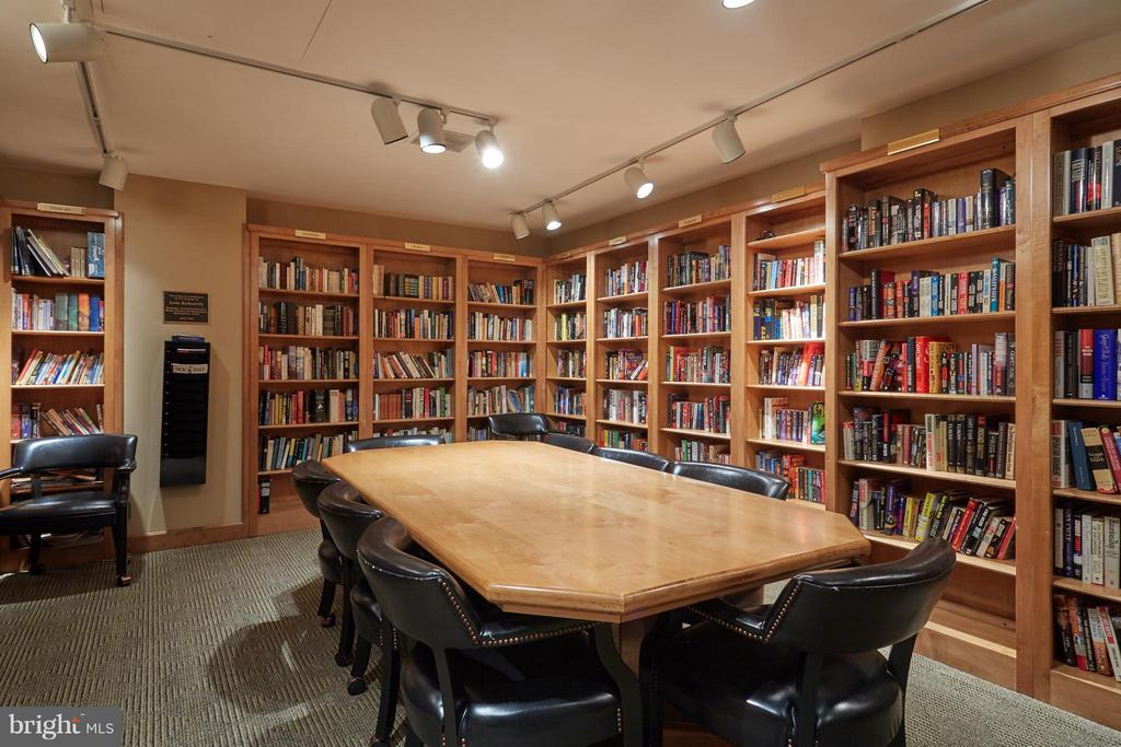 Building Library - 1800 OLD MEADOW RD #915, MCLEAN