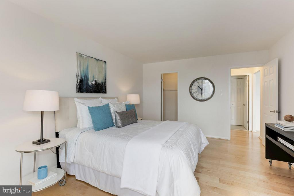 Bedroom (Master) - 1800 OLD MEADOW RD #915, MCLEAN