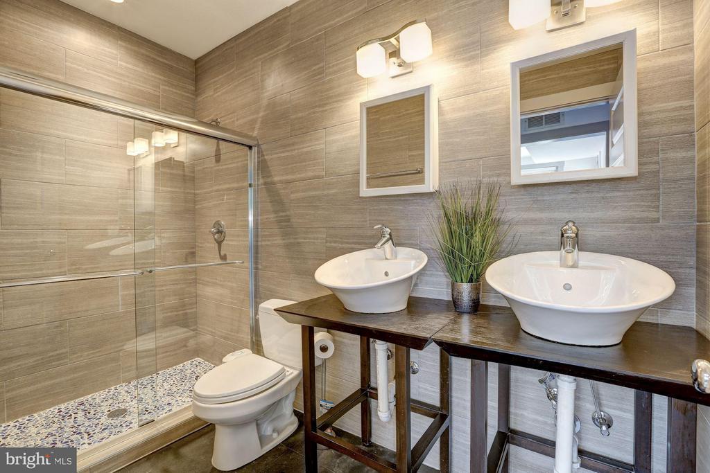 Master Bathroom - 1023 OTIS PL NW, WASHINGTON