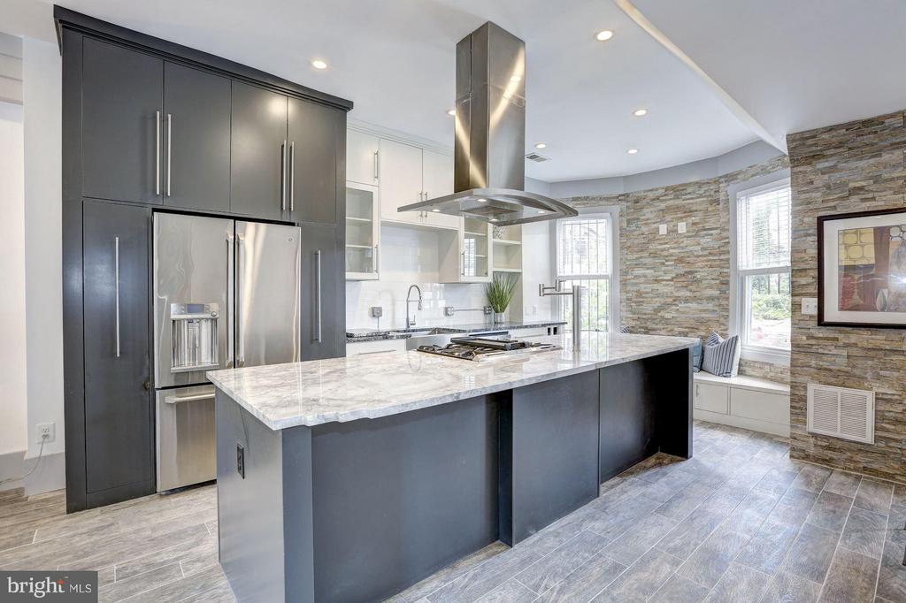 Kitchen (1 of 5) - 1023 OTIS PL NW, WASHINGTON