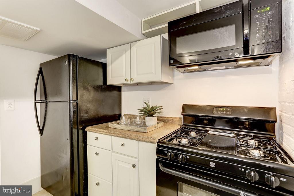 Kitchen - 1023 OTIS PL NW, WASHINGTON