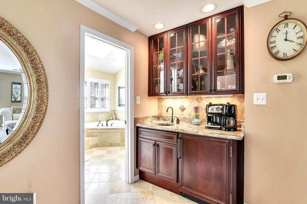 Wet Bar & Fridge in Master Suite - 21303 WINDRUSH CT, STERLING