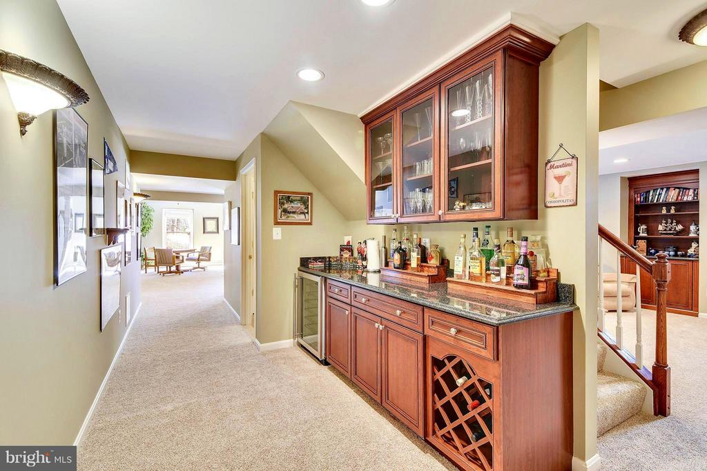 2nd Wet Bar in Basement - 21303 WINDRUSH CT, STERLING